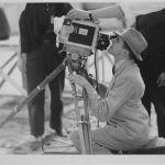 1934. René Clair tournant Le Dernier Milliardaire, PhotoStudio Pathé Natan